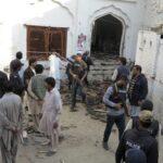 Pakistán: Aumenta a 50 el número de muertos por atentado en templo sufí