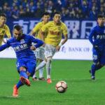 Super Liga China: Carlos Tévez marcó en su debut con el Shanghai Shenhua