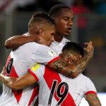 Perú se aferra al sueño de volver al Mundial (Fotos y Tabla)