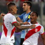 Perú logró su mejor triunfo ante Uruguay y se mete a pelea por repechaje