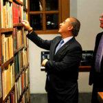 Nobel Vargas Llosa entregará lote de 15,000 libros para biblioteca regional en Arequipa