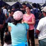 Verónika Mendoza entregó ayuda a damnificados de Cajamarquilla
