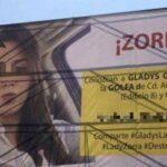 México: Esposa celosa difunde rostro de rival en enorme cartel de publicidad