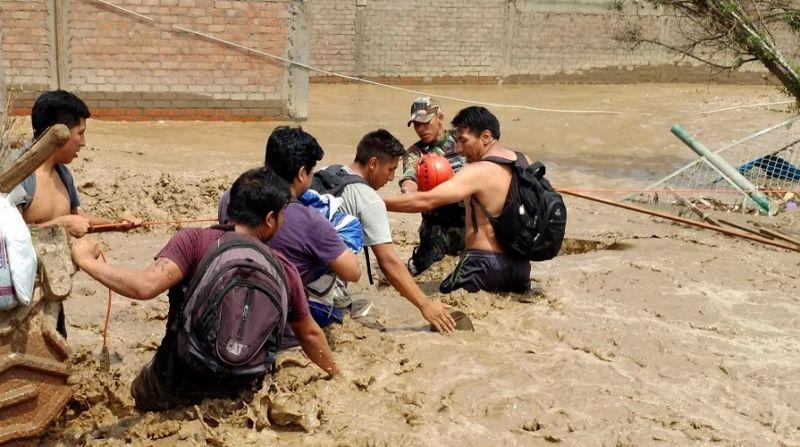 52 chilenos permanecen aislados en Perú tras inundaciones