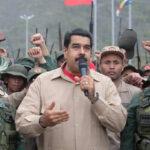 Maduro retira tropas de territorio colombiano tras hablar con Santos