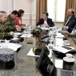 Colombia: Santos analiza con altos mandos presunta incursión militar de Venezuela (VIDEO)