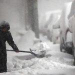 """EEUU: Por alerta con """"riesgo de muerte"""" cierran escuelas por nevada en noreste (VIDEO)"""
