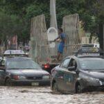 Trujillo: Nuevo huaico llega al centro de la ciudad e inunda casas