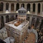 Jerusalén: Tras diez meses de trabajos restauran la tumba de Jesús (VIDEO)