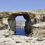 """Malta: Fuerte oleaje derrumba escenario natural de """"Juego de Tronos"""" (VIDEO)"""