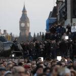 Reino Unido: Multitudinaria vigilia por las víctimas de atentado terrorista