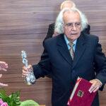 Nicaragua concede Orden Rubén Darío a poeta peruano Arturo Corcuera