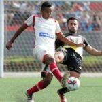 Universitario con goles panameños derrota 3-1 a UTC en el Monumental