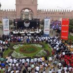Más de 1,000 cajoneros hicieron retumbar el histórico Paseo de Aguas