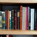 Por el mes del libro regalan tres minibibliotecas
