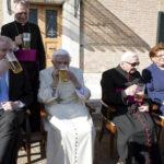 Benedicto XVI celebró su 90 cumpleaños con una fiesta bávara y cerveza