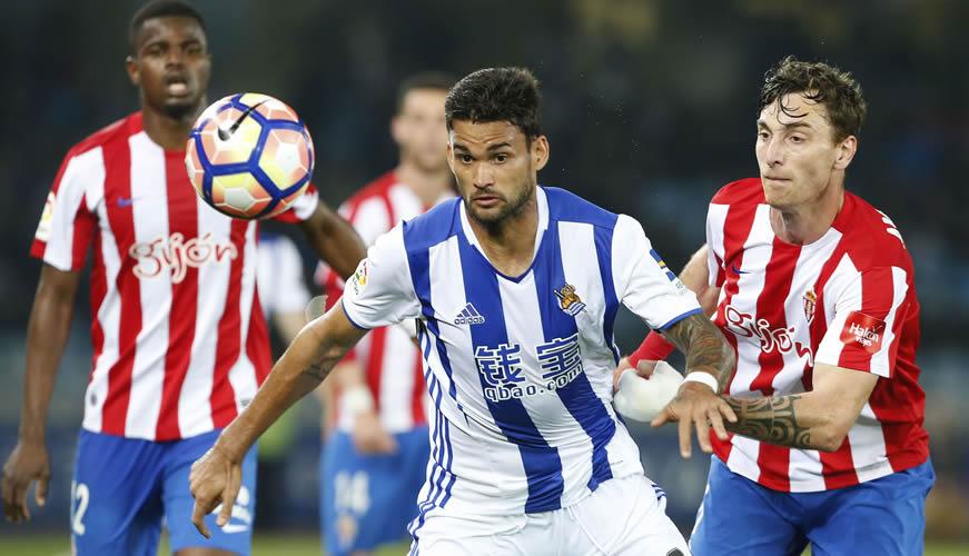 El Sporting cae en Anoeta ante la Real