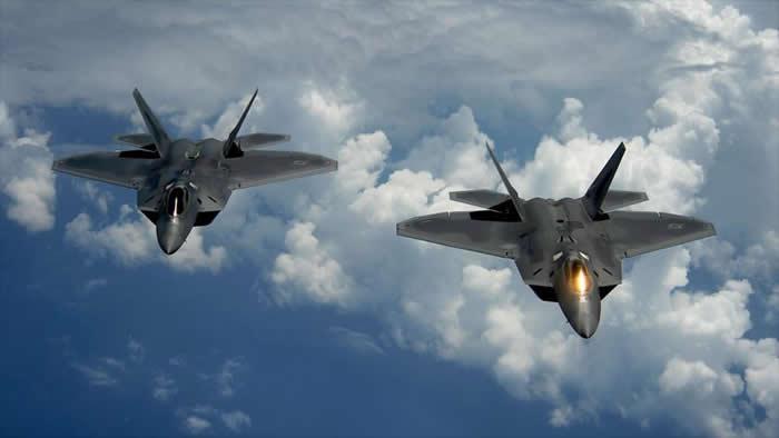 Interceptan dos aviones bombarderos rusos en costa de Alaska