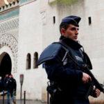 Gobierno francés cierra una mezquita por radicalización islamista