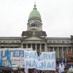 Argentina: Gobierno retrocede y autoriza carpa itinerante de docentes
