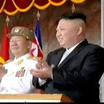 Corea del Norte: Kim Jong Un encabeza gigantesco desfile militar (VIDEO)