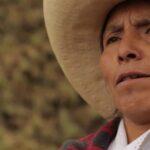 Máxima Acuña protesta por informe que califica de perturbadores sus cultivos