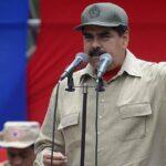 Maduro activa plan cívico militar para mantener orden interno ante golpe