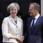 Theresa May deja claro a Tusk que soberanía de Gibraltar no se negocia