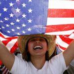 Cerca de 1.500 economistas dicen a Trump que inmigrantes ayudan a economía