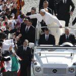 El Papa no teme atentados y seguirá viajando sin papamóvil blindado