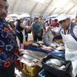 Ingresan 350 toneladas de pescado a terminal de VMT (VIDEO)
