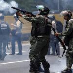 Venezuela: Juez ordena detener a 13 militares por muerte de manifestante