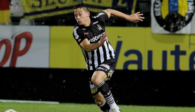 Cristian Benavente anotó dos golazos para el Sporting Charleroi