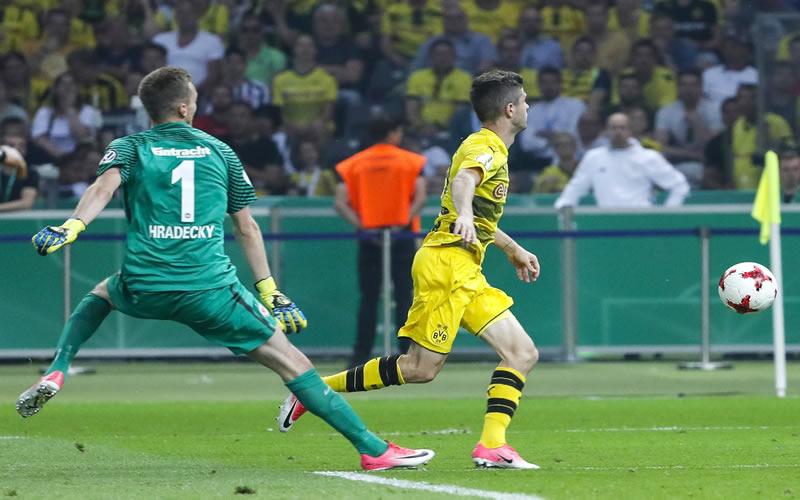 Marco Fabián añora títulos del Eintracht Frankfurt y Chivas