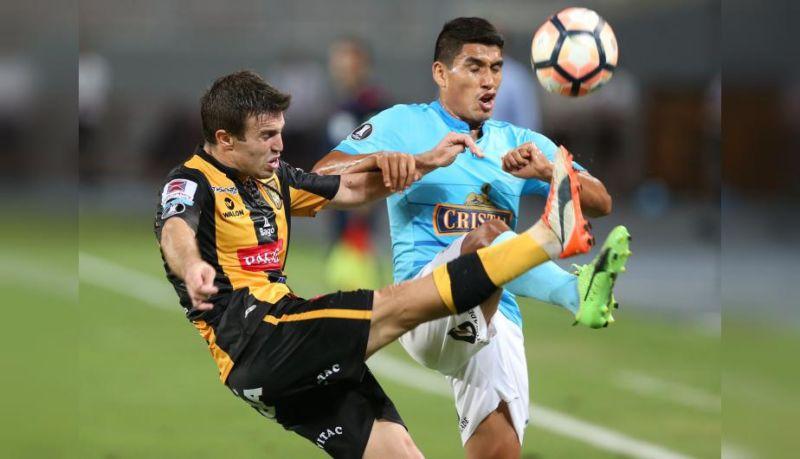 Sporting Cristal: Hinchas insultaron al DT celeste y a los jugadores