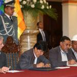 Bolivia: Evo Morales aumenta salarios y llama a combatir al capitalismo