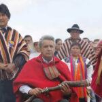 Ecuador: Indígenas entregan Bastón Espiritual Ancestral a presidente Moreno (VIDEO)