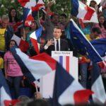Francia: Macron amplía ventaja en sondeos tras el debate televisado