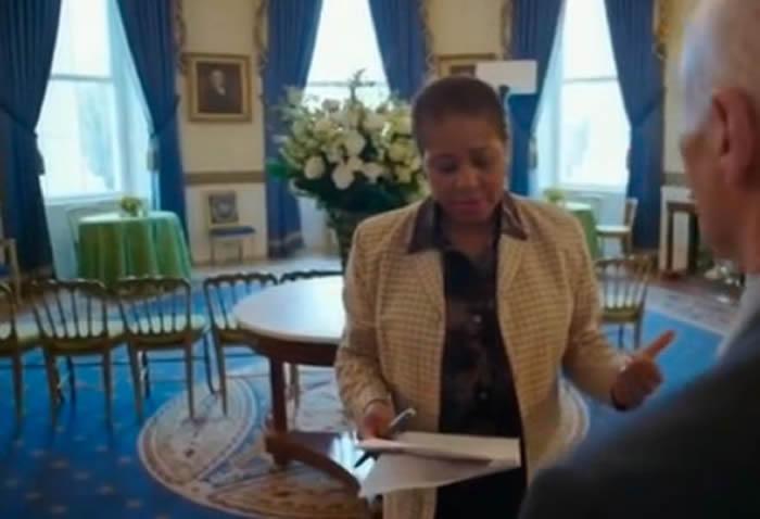 Deja primera mujer afroamericana jefatura de servicio en la Casa Blanca