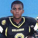 Universidad otorga grado honorífico a adolescente afroestadounidense fallecido