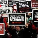 Turquía: 250,000 personas exigen liberación de más de 120 periodistas encarcelados