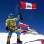Montañista peruano sin oxígeno suplementario llegó a la cima del Everest