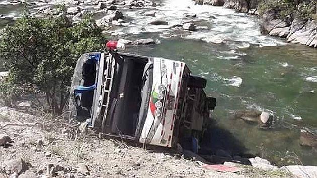 Apurímac: Volcadura de bus deja 13 muertos y más de 20 heridos