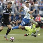 Liga Santander: Real Madrid logra el título español al vencer 2-0 a Málaga