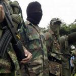 Colombia: Presuntos disidentes de FARC atacan con bomba a camión militar