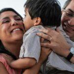 Adopción de menores aumenta por el interés de familias peruanas