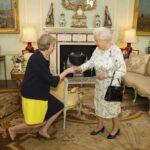 May pedirá mañana a la reina Isabel II disolución del Parlamento británico