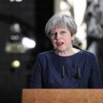 Reino Unido: May suspende campaña electoral por atentado en concierto