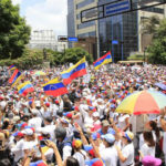 Venezuela: Mujeres chavistas marchan contra violencia y por la Constituyente