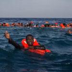 Indonesia: Naufragio de barco deja 8 muertos y 13 desaparecidos